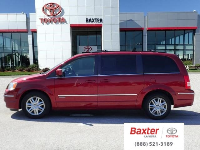 Wonderful Pre Owned 2010 Chrysler Town U0026 Country Touring