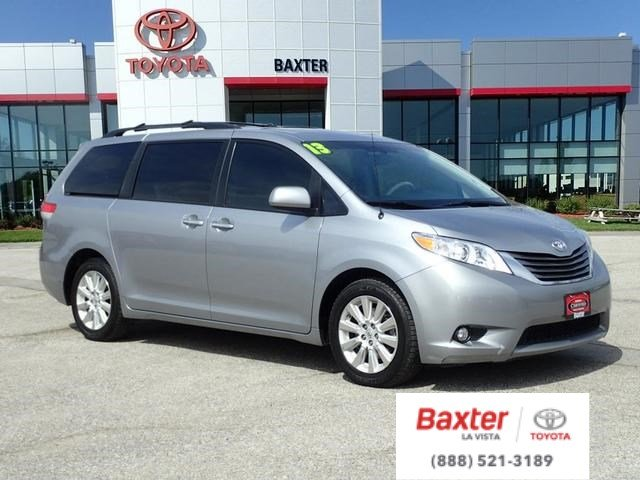 2013 toyota sienna rear entertainment system